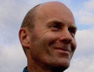 Christophe Hoffstetter a fait de l'Outdoor Business Coaching son nouveau métier. Il accompagne des dirigeants et des équipes en marchant à pied dans un environnement naturel. Il est pionnier de l'Outdoor Business Coaching.