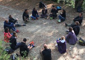 Une journée d'outdoor business coaching en équipe en plein air pour travailler la cohésion et l'esprit d'équipe avec JADE AIR, notre formule innovante de coaching d'équipe outdoor.